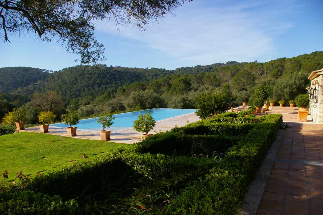 Calvia - Country garden